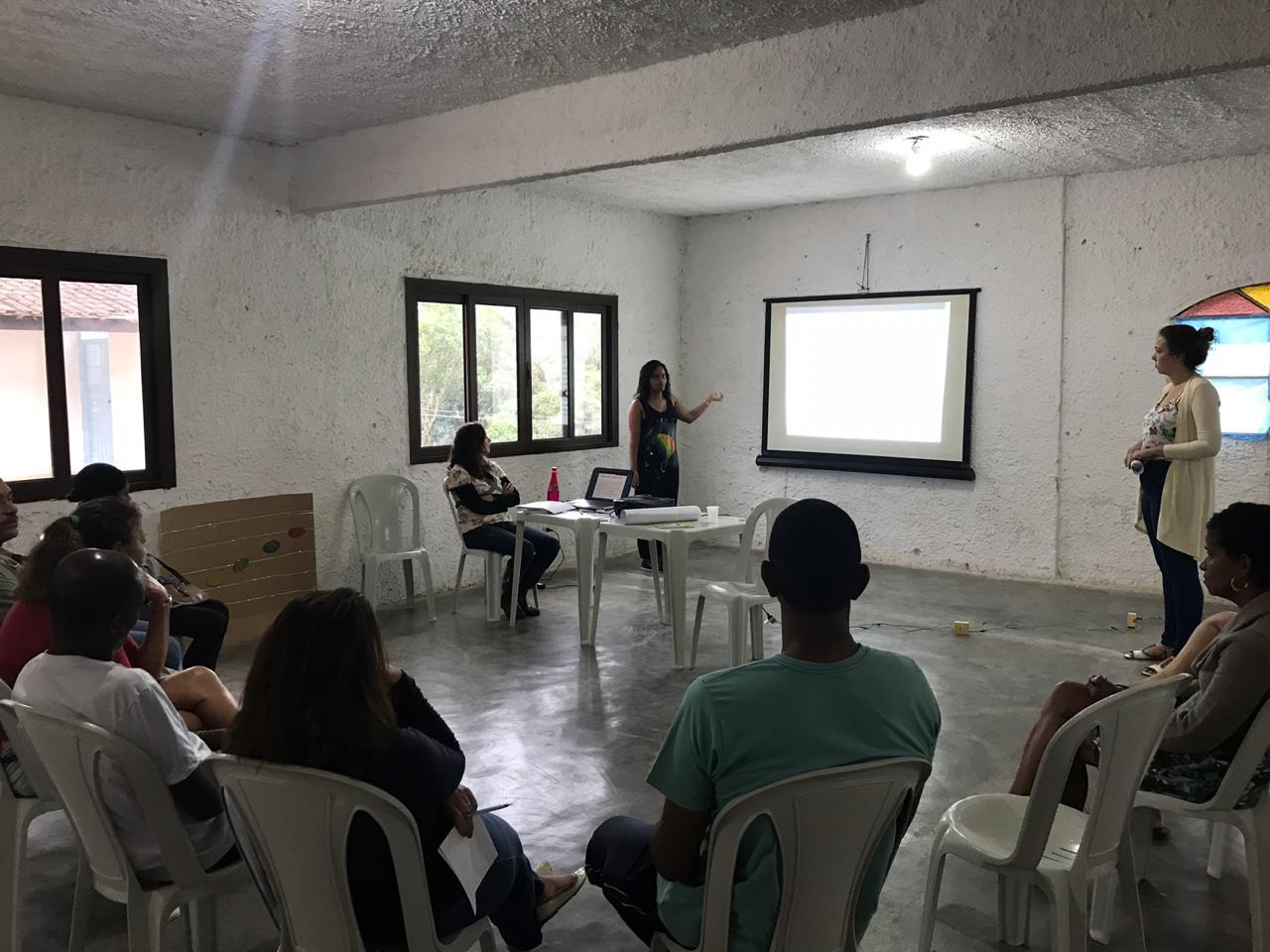 Palestra sobre o ECA na comunidade da Fazendinha - Sapê