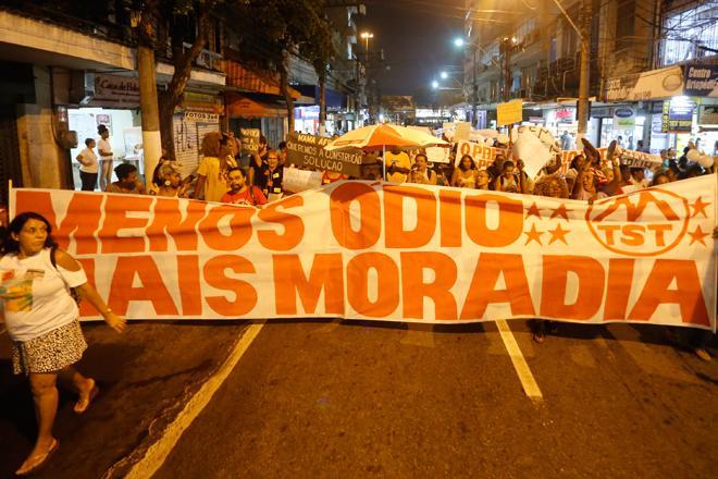Ato promovido pelo Fórum de Luta pela Moradia no Centro de Niterói em 08/04/2019